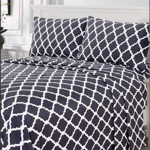 ⭐️SALE⭐️King 4pc Charcoal Arabesque Bedsheets